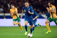French forward Karim Benzema (C) during the friendly football match between France and Australia on October 11, 2013 in Paris