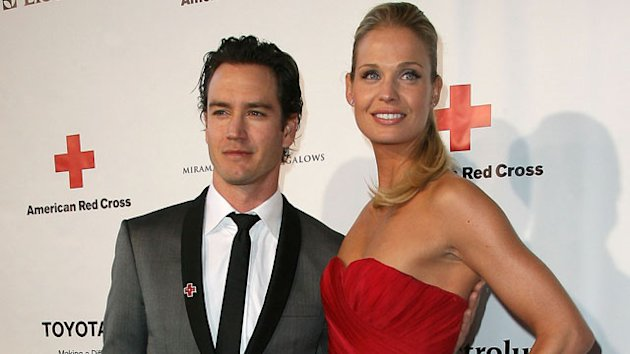 Mark-Paul Gosselaar & Wife Expecting a Child