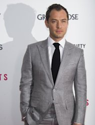 Jude Law attends the premiere of &quot;Side Effects&quot; hosted by the Cinema Society and Open Road Films on Thursday, Jan. 31, 2013 in New York. (Photo by Charles Sykes/Invision/AP)