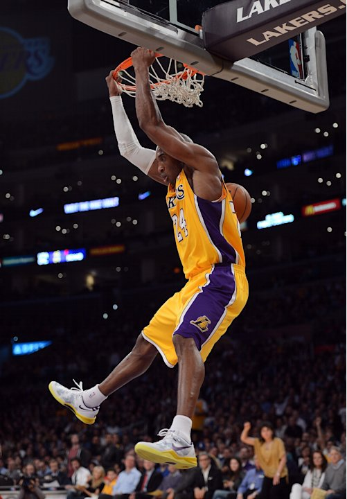 Minnesota Timberwolves v Los Angeles Lakers