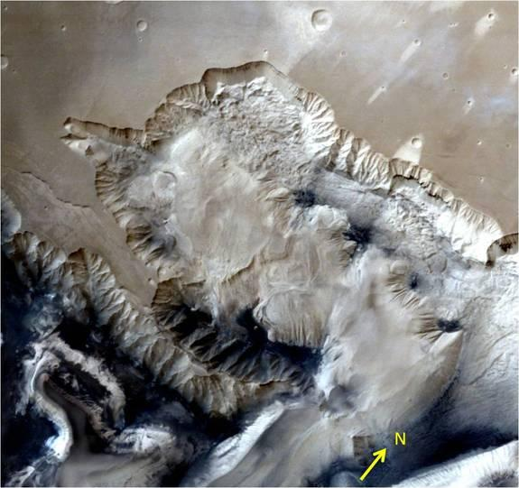 India's 1st Mars Probe Captures Stunning 3D View of Huge Chasm