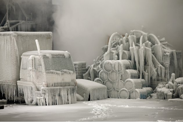 Firefighters Battling Massive Chicago Blaze Hindered By Frigid Temperatures