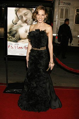 Hilary Swank at the Los Angeles premiere of Warner Brothers Pictures' P.S. I Love You