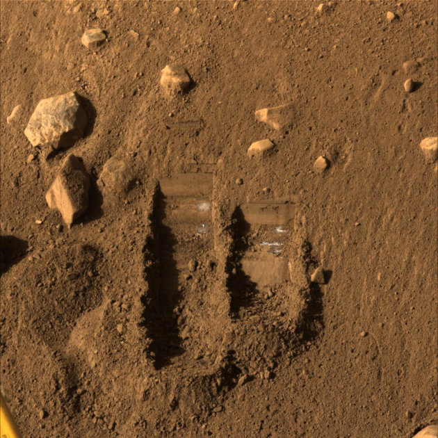 The surface of Mars, the 'Red Planet' RTX6SYD_164122