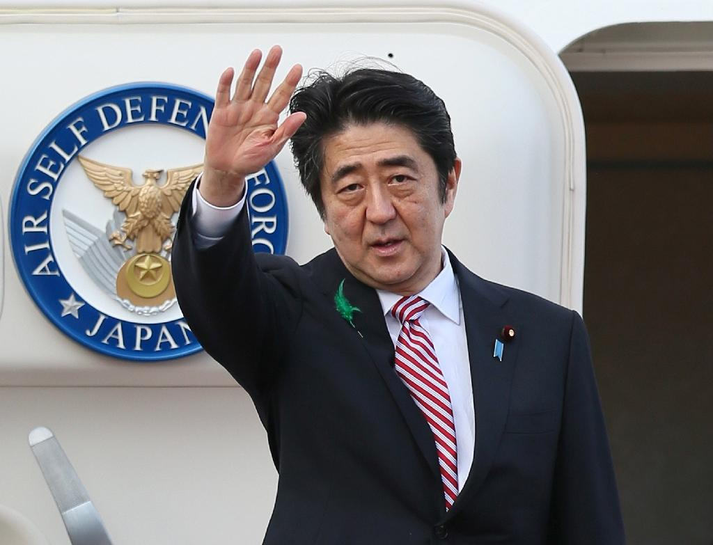 Japan PM says may drop formal apology in WWII statement