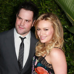 Hilary Duff's Ex Mike Comrie Files For Joint Custody