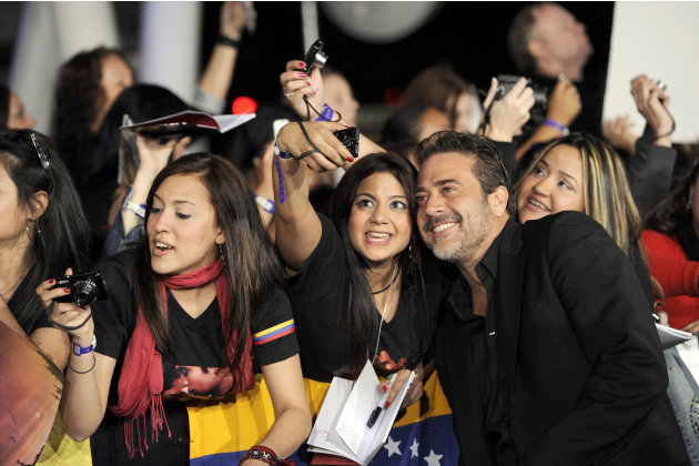 "Jeffrey Dean Morgan takes a photo with fans at the world premiere of ""The Twilight Saga: Breaking Dawn - Part 1"" on Monday, Nov. 14, 2011, in Los Angeles. (AP Photo/Chris Pizzello)"