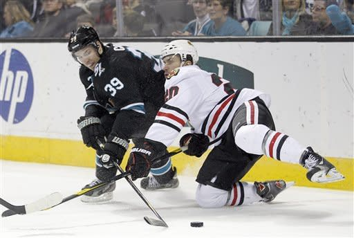 Sharks hand Blackhawks 7th straight loss, 5-3