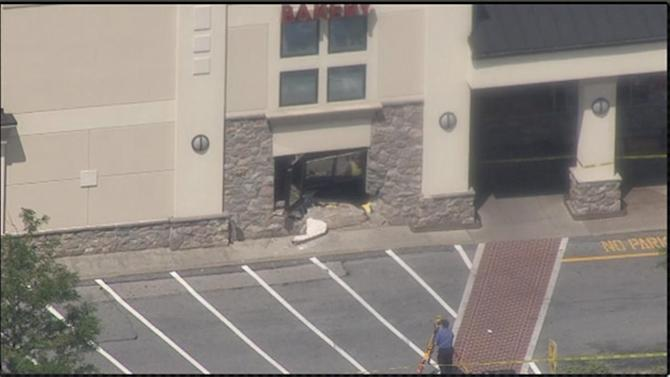 Witnesses: Man on bench killed by truck at West Chester grocery store
