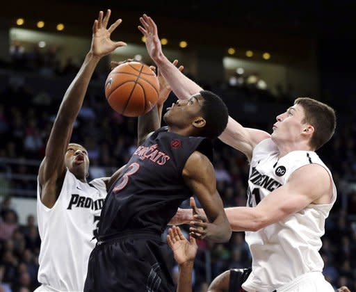 Batts scores 25, Providence tops Cincinnati 54-50