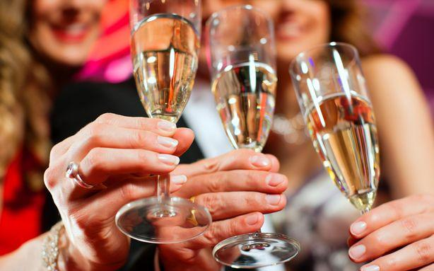 Your New Year's Eve Etiquette Dilemmas, Solved