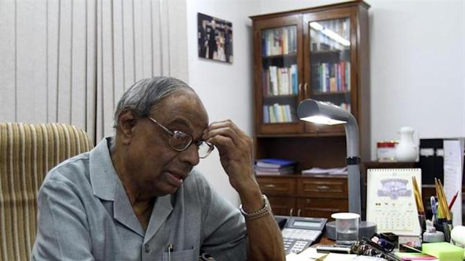 Prime Minister's economic advisory council chairman C. Rangarajan reacts during an interview with Reuters in New Delhi June 12, 2010. REUTERS/B Mathur/Files