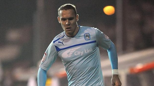 Former Coventry defender Chris Hussey has joined Burton on a free transfer following his release from AFC Wimbledon