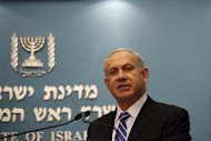 Israeli Prime Minister Benjamin Netanyahu called an early general election, presenting himself as the only option in the face of the Iranian nuclear threat, upheavals in the Middle East and the global economic crisis
