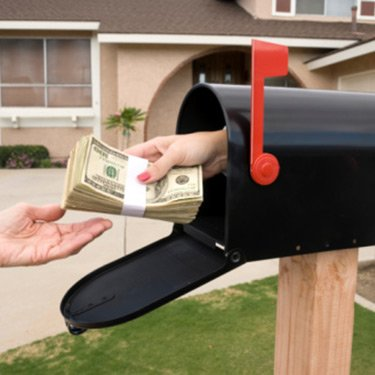 Mailbox-handing-over-money_web