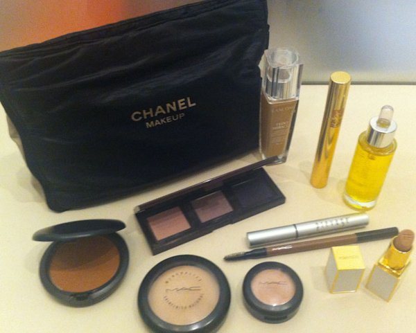 Celebrity Facialist Nichola Joss Shows Us What's In Her Makeup Bag