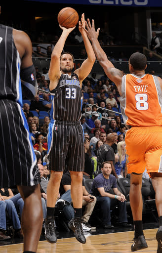 Magic find offense and roll past Suns, 103-93