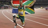 Oscar Pistorius Storms To Victory In 400m