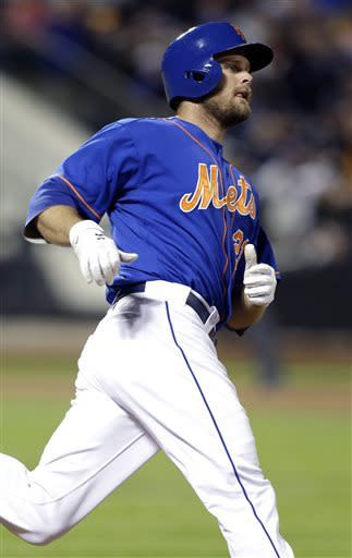 Davis breaks out in clutch, Mets rally past Braves