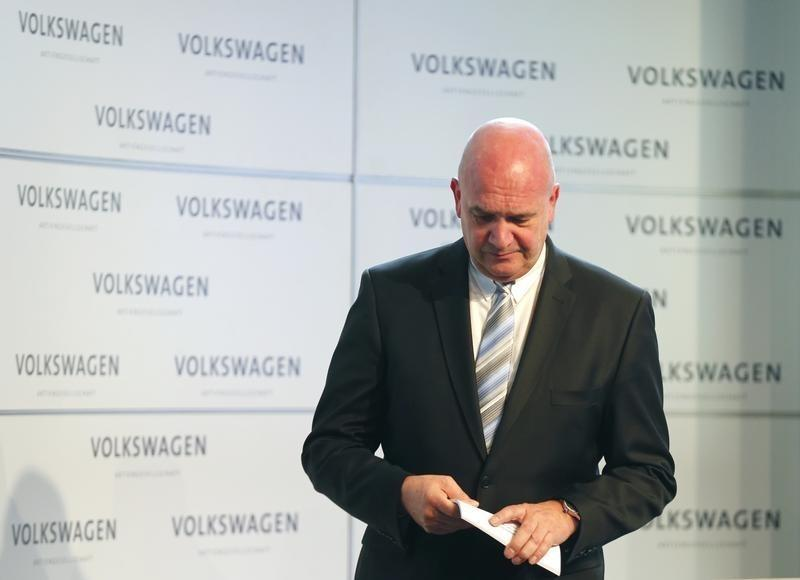 VW labor boss says C02 cheating has hit new car orders
