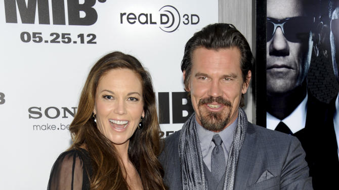 "Actor Josh Brolin and wife Diane Lane arrive at the premiere of ""Men in Black 3"" at the Ziegfeld Theater on Wednesday May 23, 2012 in New York. (Photo by Evan Agostini/Invision/AP)"