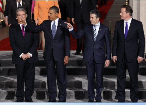 Leaders prepare to pose for a family photo at the NATO Summit in Chicago
