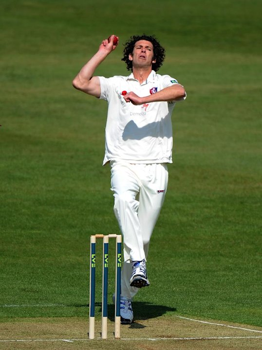 Kent seamer Charlie Shreck put Essex on the back foot