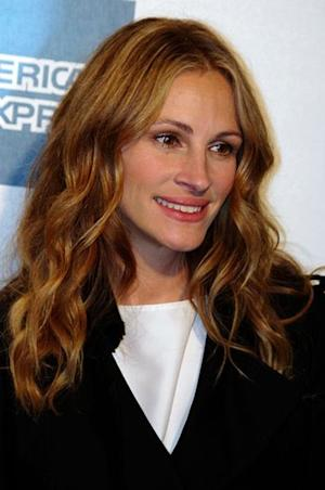 Celeb Trend Report: Julia Roberts Loves Baking Soda and Other All-Natural Celeb Beauty Tricks