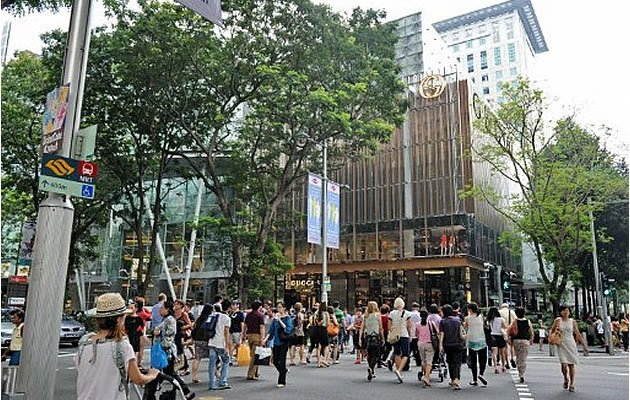 """The Ministry of Home Affairs proposed amendments to the Immigration Act on Monday, in order to  """"strengthen Singapore's border security"""" and """"facilitate the legal entry  of bona fide foreigners into our country while keeping out undesirable  persons, goods and conveyances."""" (Yahoo! photo)"""