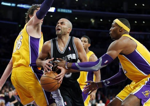 Green's 3-pointer pushes Spurs past Lakers 84-82