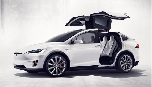 Tesla Model X European Buyers Will Have To Wait For Chinese