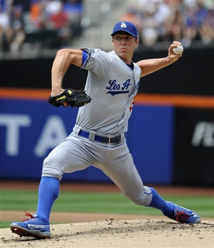 Uribe, Capuano lead Dodgers to 8-5 win over Mets