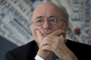 Blatter: Use video to punish divers, injury fakers