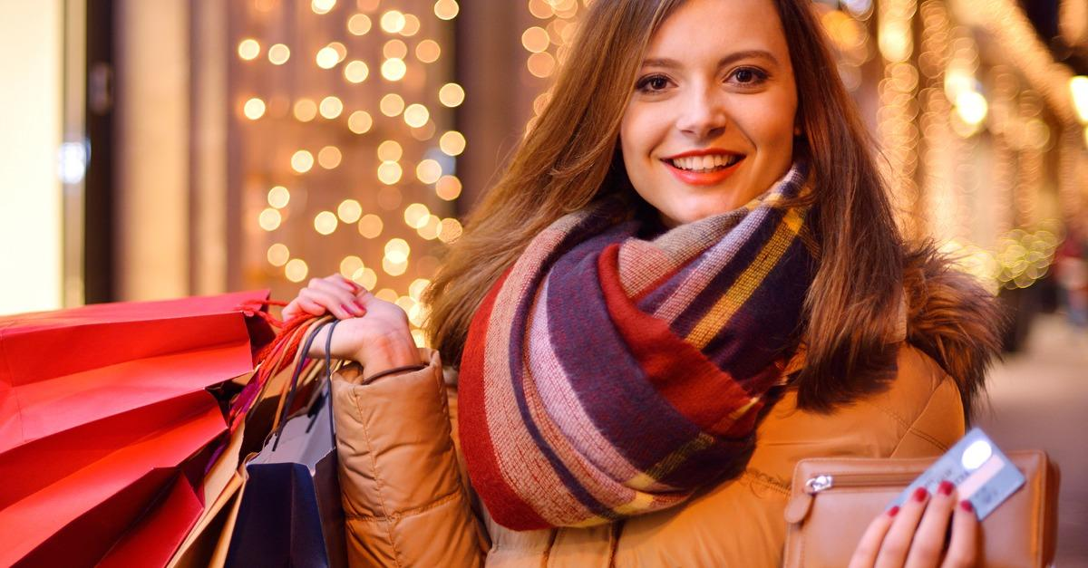 Reach For Your Cash Back Credit Card This Holiday