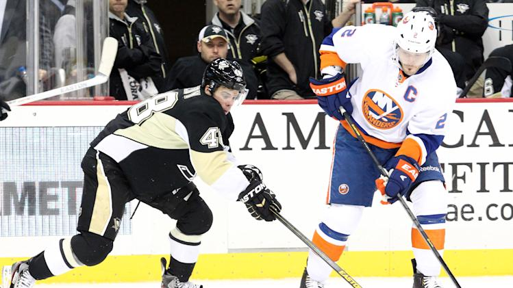 NHL: New York Islanders at Pittsburgh Penguins