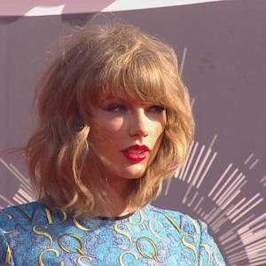 Taylor Swift's Social Media Hacked; Denies Existence of Nude Pics