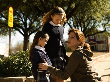 Shyann McClure , Courtney Burness and Sandra Bullock in TriStar Pictures' Premonition