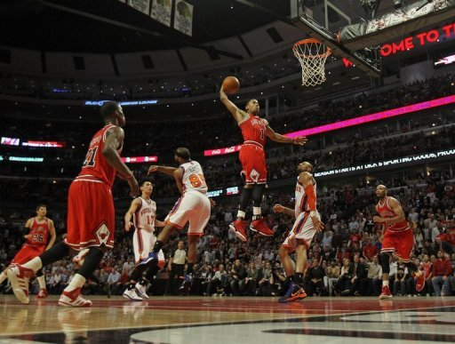 Derrick Rose scored 32 points to power the Chicago Bulls past the New York Knicks