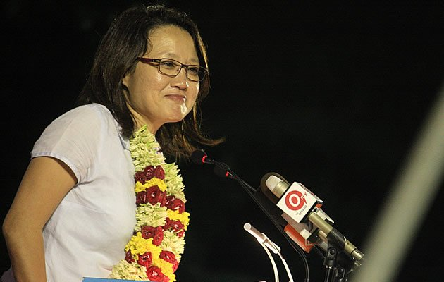 In her speech, WP chairman Sylvia Lim vouched for Png's character and said he will be a good MP if elected (Yahoo! Photo)