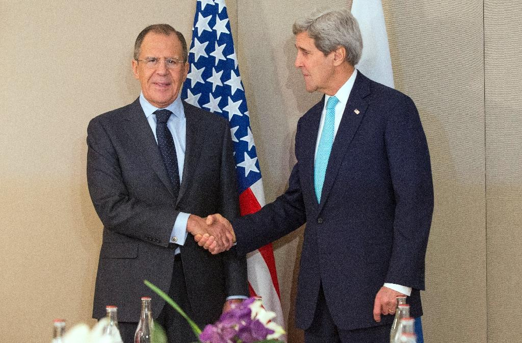 Kerry, Lavrov in 'hopeful' talks as Ukraine toll tops 6,000