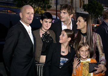 Premiere: Bruce Willis, Ashton Kutcher and Demi Moore with Scout, Rumer and Tallulah Belle at the LA premiere of Columbia's Charlie's Angels: Full Throttle - 6/18/2003