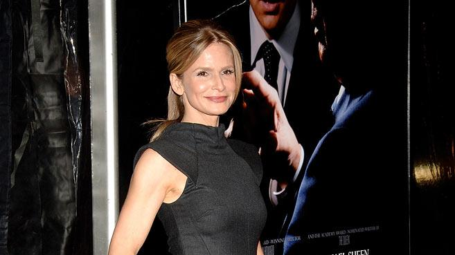 "Kyra Sedgwick attends the premiere of ""Frost/Nixon"" at the Ziegfeld Theater on November 17, 2008 in New York City."