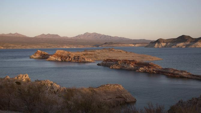 Mysterious brown foam prompts testing at Lake Mead