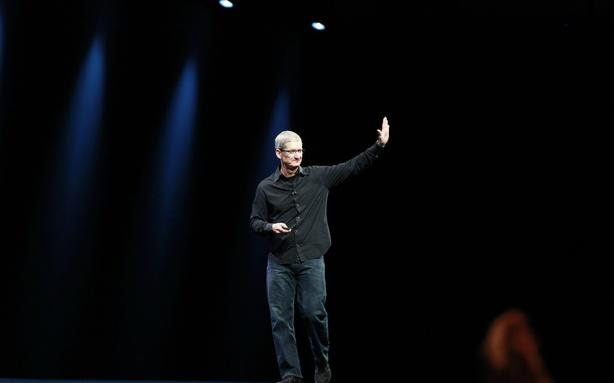 One Year of Tim Cook: Is He a Visionary or a Genius Executive?