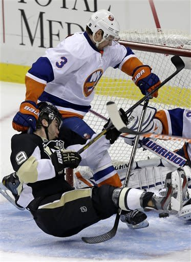 Penguins crush Islanders 6-1 for 5th straight win