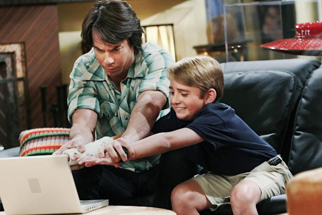 "This publicity photo provided by Nickelodeon shows Jerry Trainor as Vinnie, and Buddy Handleson as Wendell, in the ""Pilot"" for the TV show, ""Wendell & Vinnie,"" to to debut on Nickelodeon on Saturday,"