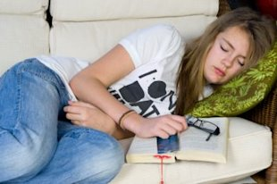 Thinkstock: Study says teens would benefit from an extra half hour sleep in the morning.