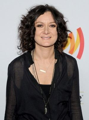 Sara Gilbert Joins CBS's 'Bad Teacher' Pilot