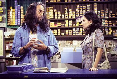 "When Jackie (Mila Kunis, R) realizes she's in love with Hyde, she turns to Leo (Tommy Chong, L) for advice on the season finale ""Moon Over Point Place"" episode of Fox's That 70s Show"