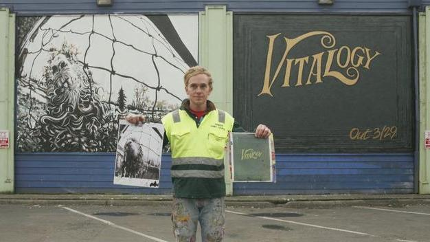 vs. & Vitalogy Easy Street Mural painting